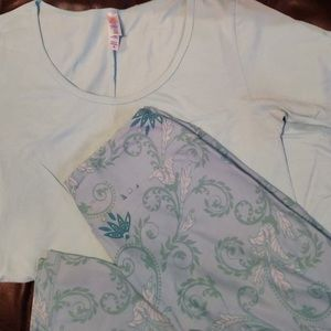 LuLaRoe XS Perfect T & OS Paisley Leggings